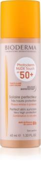 Bioderma Photoderm Nude Touch fluid tonifiant de protecție pentru piele mixtă și grasă SPF50+
