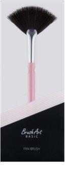 BrushArt Basic Pink Puder-Entfernungspinsel – fächerförmig