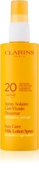 Clarins Sun Protection mlieko na opaľovanie v spreji SPF 20