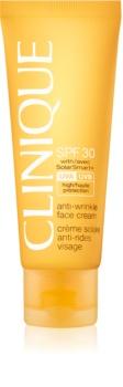 Clinique Sun creme bronzeador para rosto com efeito antirrugas SPF30