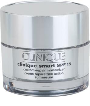 Clinique Clinique Smart feuchtigkeitsspendende Tagescreme gegen Falten für fettige Haut LSF 15