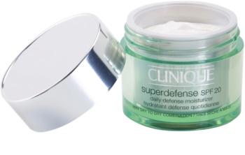 Clinique Superdefense hydratisierende und schützende Tagescreme für trockene und Mischhaut