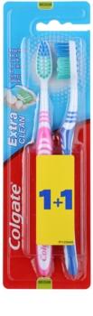 Colgate Extra Clean zubní kartáčky medium 2 ks