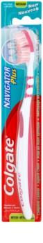 Colgate Navigator Plus brosse à dents medium