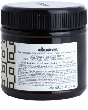 Davines Alchemic Chocolate balsam hidratant pentru a evidentia culoarea parului