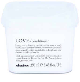 Davines Love Almond condicionador para cabelo ondulado