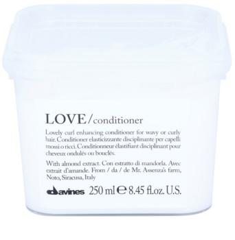 Davines Love Almond Conditioner  voor Krullend Haar