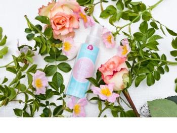 Dermacol Rose Water apă de trandafiri înviorătoare