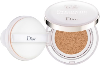 Dior Capture Totale Dream Skin maquillaje en esponja SPF 50