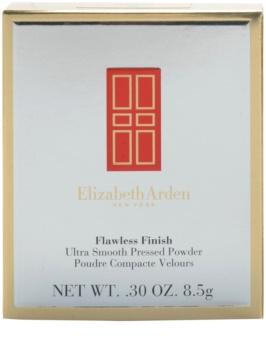 Elizabeth Arden Flawless Finish Ultra Smooth Pressed Powder jemný kompaktní pudr
