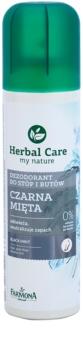 Farmona Herbal Care Black Mint dezodorant v pršilu za noge in čevlje