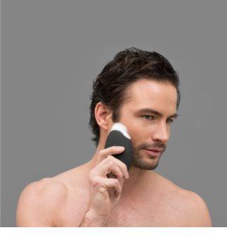 FOREO Luna™ for Men cepillo sónico de limpieza facial con efecto alisante