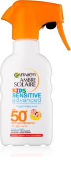 Garnier Ambre Solaire Sensitive Advanced ochranný sprej pre deti SPF 50+