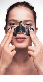 Garnier Pure Active traitement nettoyant anti-points noirs au charbon actif 3 en 1 pour peaux grasses et à problèmes
