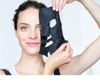 Garnier Skin Naturals Pure Charcoal čierna textilná maska s extraktom z čierneho čaju