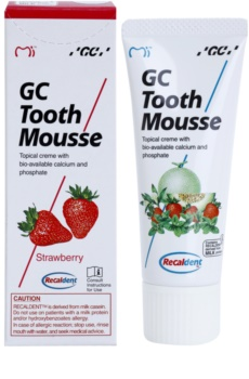 GC Tooth Mousse Strawberry ásványfeltöltő védőkrém az érzékeny fogakra fluoridmentes