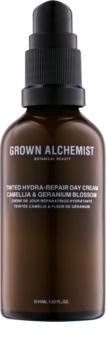 Grown Alchemist Activate tónovací krém na tvár