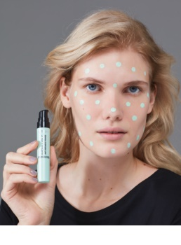 L'Oréal Paris Infaillible baza impotriva inrosirii