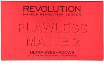 Makeup Revolution Flawless Matte 2 paleta de sombras de ojos con un espejo pequeño