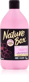 Nature Box Almond hydratační tělové mléko pro citlivou pokožku