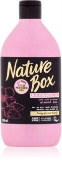 Nature Box Almond kondícionáló finom és lesimuló hajra