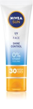 Nivea Sun mattierende Sonnencreme für das Gesicht SPF 30