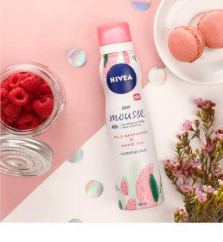 Nivea Wild Raspberry & White Tea rozmaznávajúca telová pena pre intenzívnu hydratáciu
