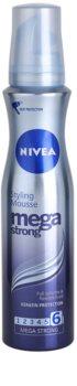 Nivea Mega Strong penové tužidlo pre dlhotrvajúci objem
