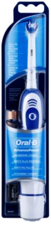 Oral B AdvancePower 4D  escova de dentes a pilhas para crianças