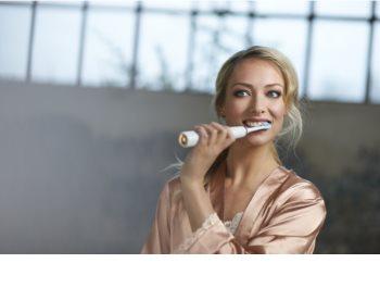 Philips Sonicare DiamondClean HX9312/04 sonický elektrický zubní kartáček s nabíjecí sklenicí