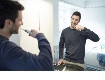 philips sonicare flexcare platinum hx9112 12 brosse dents lectrique sonique avec 3 modes de. Black Bedroom Furniture Sets. Home Design Ideas