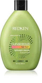 Redken Curvaceous champô cremoso  para cabelos encaracolados e ondulados