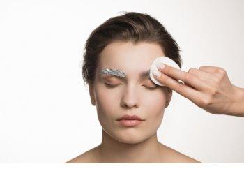 RefectoCil Eyelash and Eyebrow odbarvovač na obočí