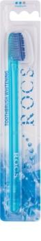 R.O.C.S. Whitening escova de dentes medium