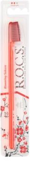 R.O.C.S. Blooming Sakura Professional escova de dentes medium