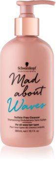 Schwarzkopf Professional Mad About Waves hidratáló sampon hullámos és göndör hajra szulfátmentes