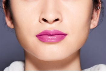 Shiseido Makeup LacquerInk tekutá rtěnka pro hydrataci a lesk
