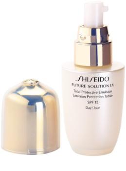 Shiseido Future Solution LX emulsión protectora de día SPF 15