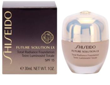 Shiseido Future Solution LX make-up pentru luminozitate SPF 15