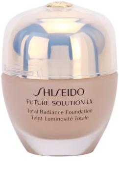 Shiseido Future Solution LX maquillaje con efecto iluminador  SPF 15