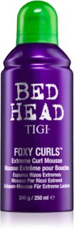 TIGI Bed Head Foxy Curls penast utrjevalec za ekstremne valove