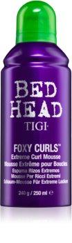 TIGI Bed Head Foxy Curls pjena za učvršćivanje za ekstremno valovitu frizuru