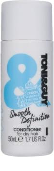 TONI&GUY Smooth Definition uhlazující kondicionér pro suché a nepoddajné vlasy