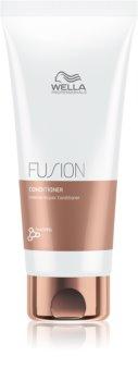 Wella Professionals Fusion condicionador regenerador intensivo para cabelo danificado