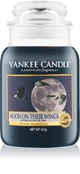 Yankee Candle Moon On Their Wings candela profumata 623 g Classic grande