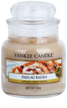 Yankee Candle Pain au Raisin vonná sviečka 104 g Classic malá
