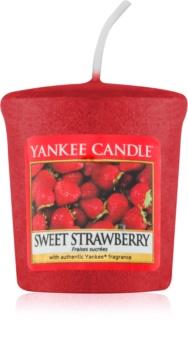 Yankee Candle Sweet Strawberry votivní svíčka 49 g