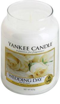 Yankee Candle Wedding Day dišeča sveča  623 g Classic velika