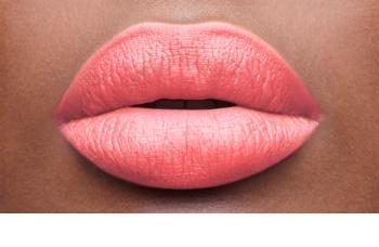 Yves Saint Laurent Baby Doll Kiss & Blush помада-рум'яна з матуючим ефектом