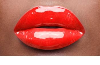 Yves Saint Laurent Vernis À Lèvres Vinyl Cream Lipgloss met Romige Textuur